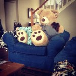 Esconde a su bebé muerto en un oso de peluche