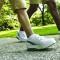 Es hora de dejar la silla y salir a caminar: El sedentarismo nos mata